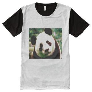 La camiseta blanco y negro de los hombres con la