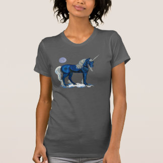 La camiseta de la mujer azul del unicornio del
