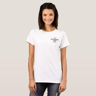 La camiseta de las mujeres agradables del lago