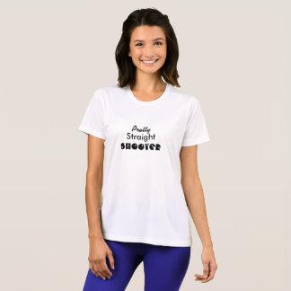 La camiseta de las mujeres bonitas de la pistola