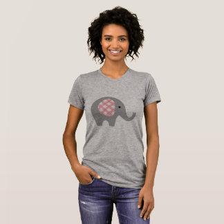La camiseta de las mujeres con el elefante