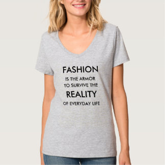 La camiseta de las mujeres de la armadura de la