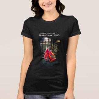 La camiseta de las mujeres del chica del arco iris