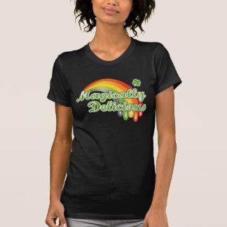 La camiseta de las mujeres mágico deliciosas