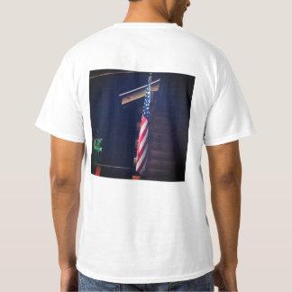 La camiseta de los hombres de la bandera americana