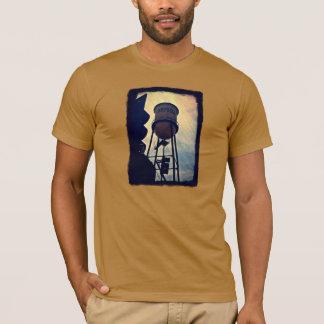 La camiseta de los hombres de la torre de agua de