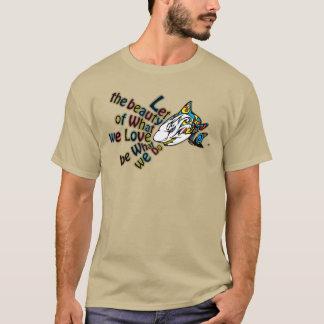 La camiseta de los hombres del tiburón de la