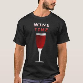 La camiseta de los hombres del tiempo del vino