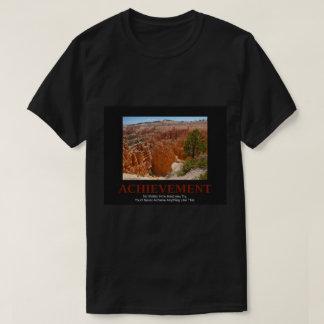 La camiseta de los hombres oscuros - foto roja