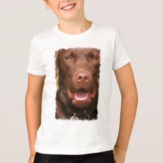 La camiseta de los niños del laboratorio del