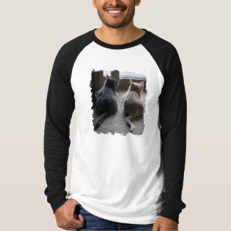 La camiseta de manga larga de los hombres del