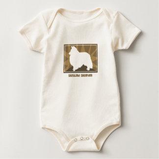 La camiseta de Shetland del niño terroso del perro