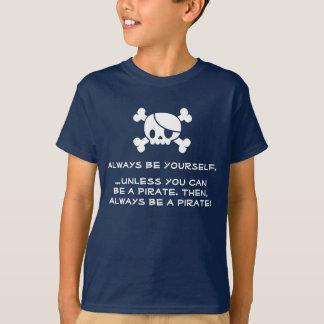 """La camiseta de un pirata del niño """"sea siempre"""""""