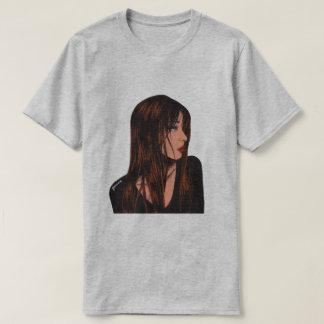 La camiseta del chica de los hombres triguenos de