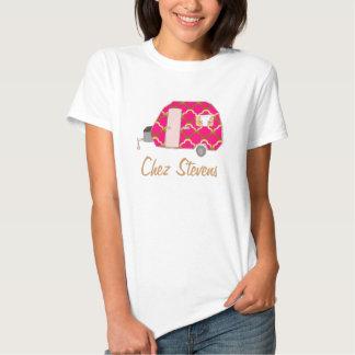 La camiseta del diseño del dueño retro