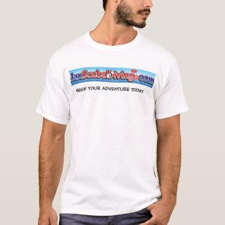La camiseta del equipo de submarinismo de Jax