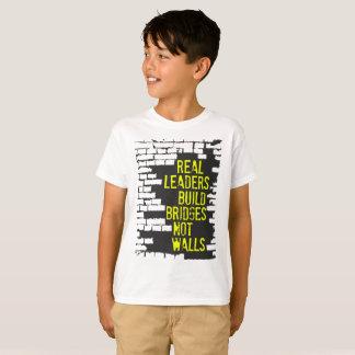 La camiseta del muchacho real de los líderes
