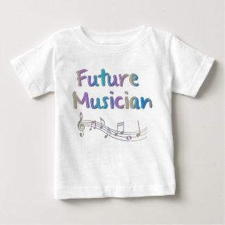 La camiseta del músico del arco iris del niño