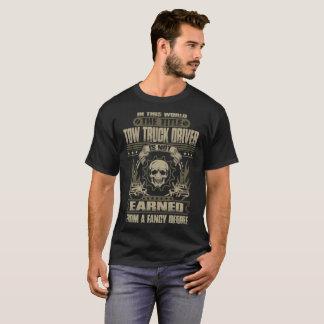 La camiseta ganada del conductor de grúa del