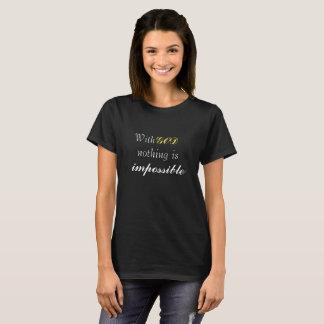 La camiseta gráfica cristiana de las mujeres