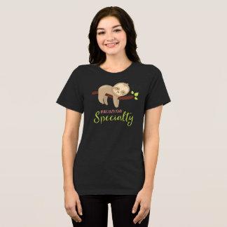 La camiseta linda de la pereza que es perezosa es