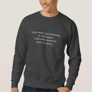 La camiseta nunca masculina w/Grey de la fe señaló