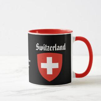 La capa de Geneva* arma la taza de café