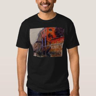 La casa roja de Claude Monet Camisetas