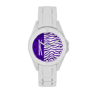 La cebra púrpura y blanca violeta raya el relojes de pulsera