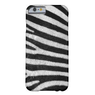 La cebra raya la fotografía negra y blanca de la funda de iPhone 6 barely there