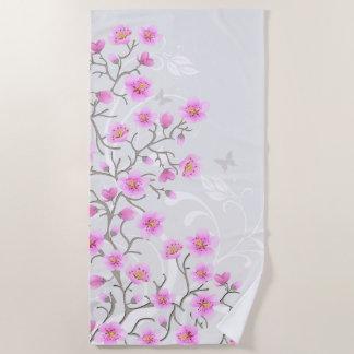 La cereza japonesa florece la toalla de playa