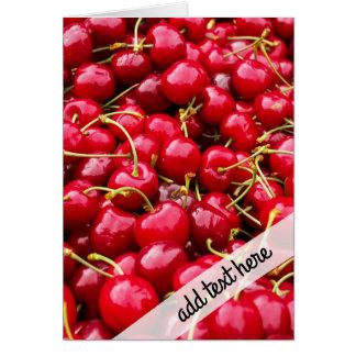 la cereza roja linda deliciosa da fruto fotografía tarjeta de felicitación