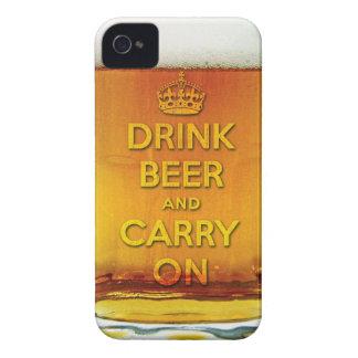 La cerveza divertida de la bebida y continúa iPhone 4 fundas