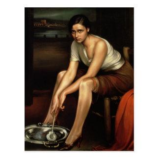 La chica joven de fascinación postal