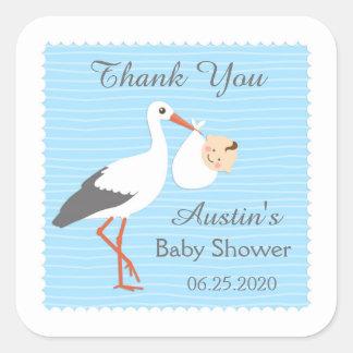 La cigüeña que lleva al bebé lindo le agradece pegatina cuadrada
