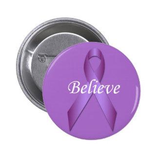 La cinta violeta de la conciencia cree el botón pins