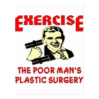 La cirugía plástica del pobre hombre del ejercicio tarjeta postal