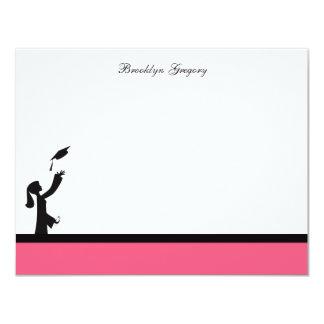 La clase de graduación rosada de la silueta 2012 invitación 10,8 x 13,9 cm