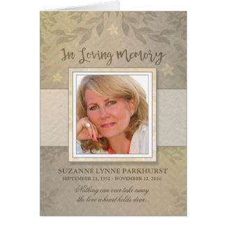 La condolencia de encargo floral beige de la foto tarjeta de felicitación