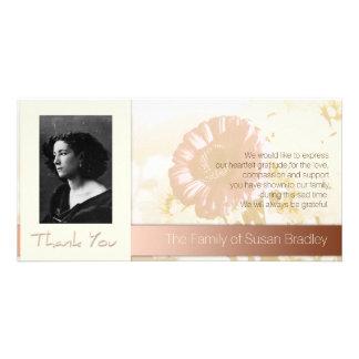 La condolencia de la foto del marco de las flores tarjetas fotográficas