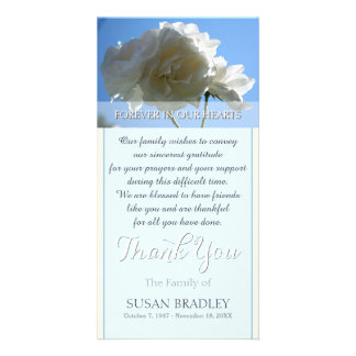 La condolencia de los rosas blancos del cielo azul tarjetas con fotos personalizadas