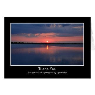 La condolencia en blanco de la puesta del sol le tarjeta pequeña
