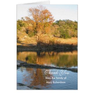 La condolencia en blanco del río le agradece tarjeta de felicitación