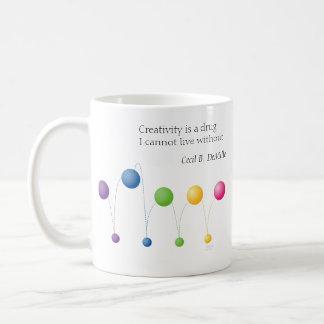 La creatividad es una droga que no puedo vivir taza clásica