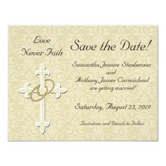La cruz con los anillos de oro ahorra las tarjetas invitación 10,8 x 13,9 cm