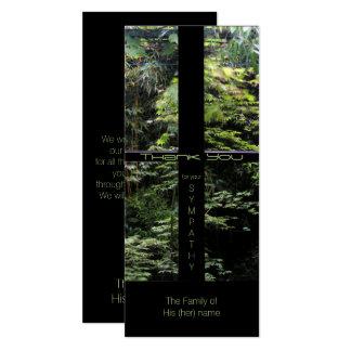 La cruz de la ventana en condolencia del jardín de invitación 10,1 x 23,5 cm