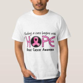 La curación comienza con el cáncer de pecho de la camiseta