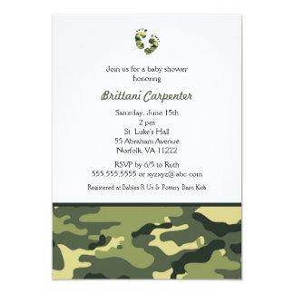 La ducha del camuflaje del verde del bebé invita a invitación 12,7 x 17,8 cm
