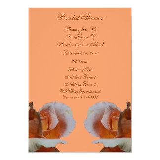 La ducha nupcial de la flor de los capullos de invitación 12,7 x 17,8 cm