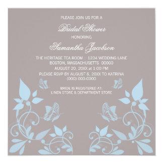 La ducha nupcial floral de la mariposa azul invita invitación 13,3 cm x 13,3cm